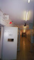 Prisión de la STASI en Berlin. Vista  interior y enlace