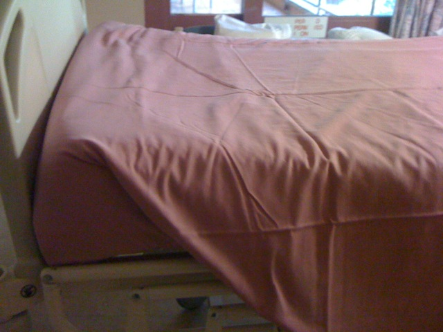 how to make hospital corners bed sheets