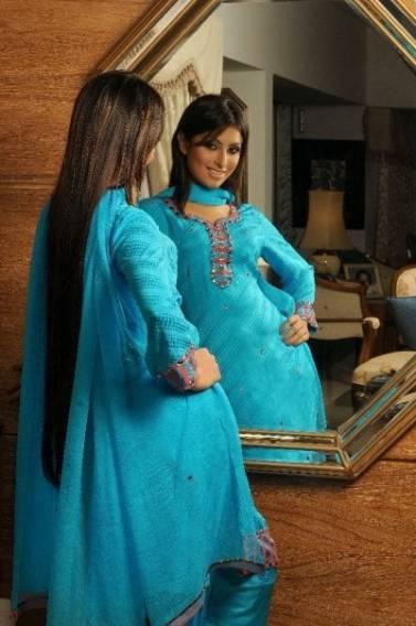 Bangladeshi Hot Model Actress Anika Kabir Shokh Pictures