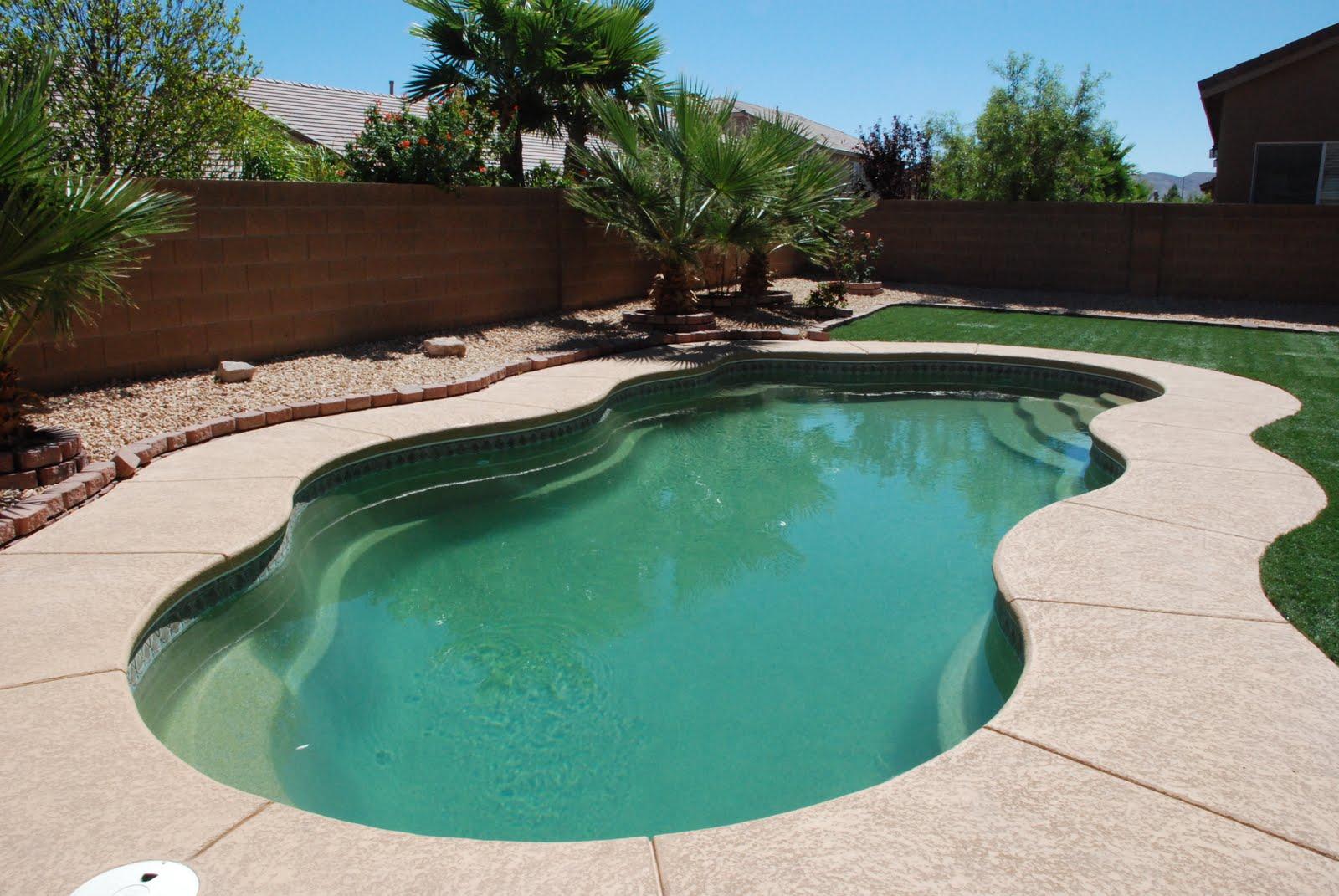 Swimming pools and spas by Mall Fiberglass Pool - (800x600 - 156kB)