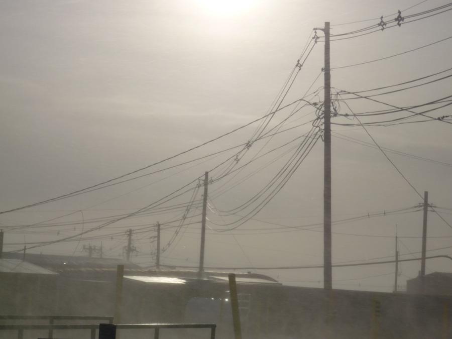 [McM+tele+wires]