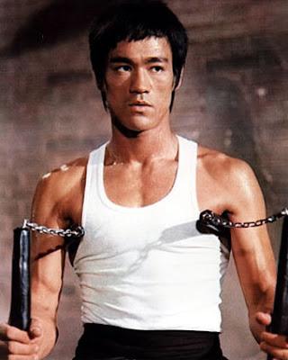 Он постоянно повышал свои навыки в кунг-фу, разрабатывал свой стиль Джит Кун-До, старался