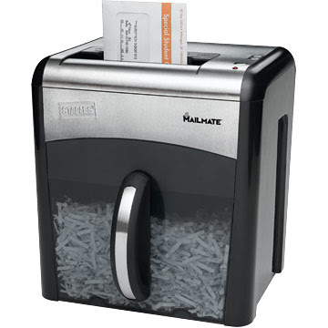 Staples Mailmate shredder is junk