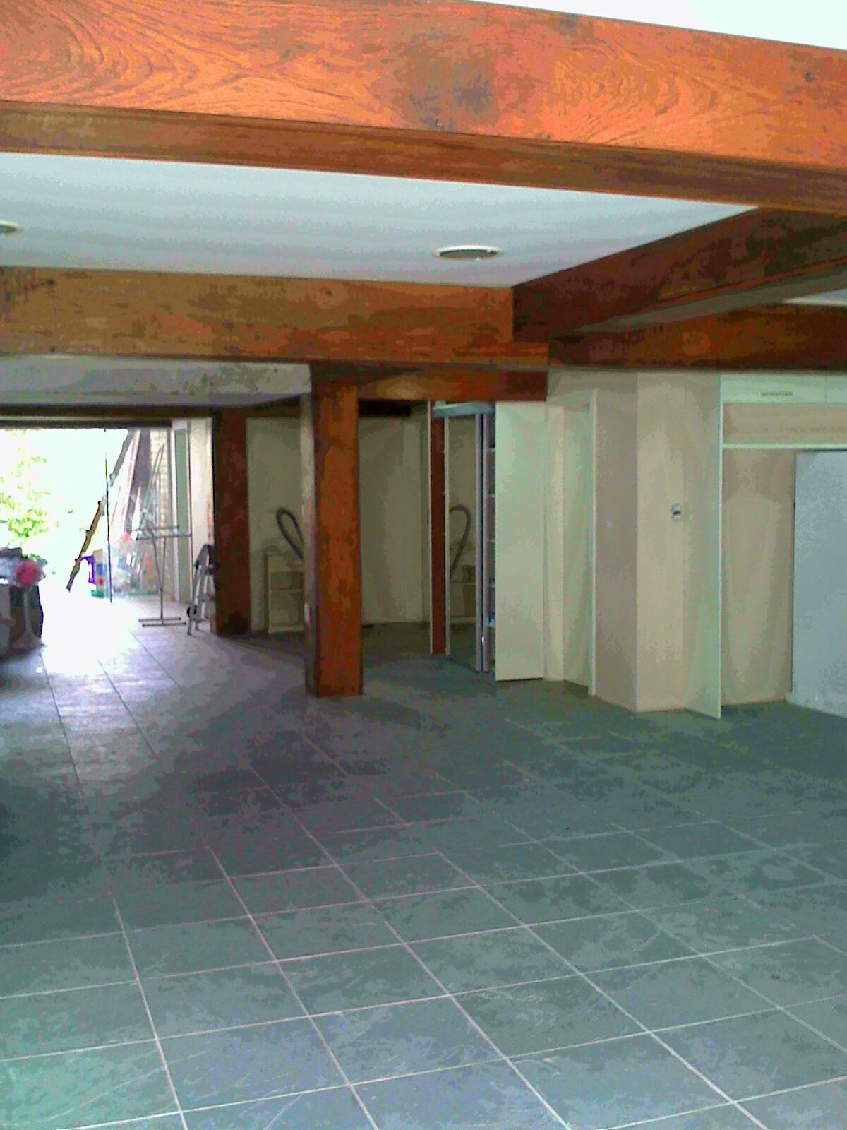 : Revestimento de vigas e colunas com madeira de demolição #A44E27 1200x1600