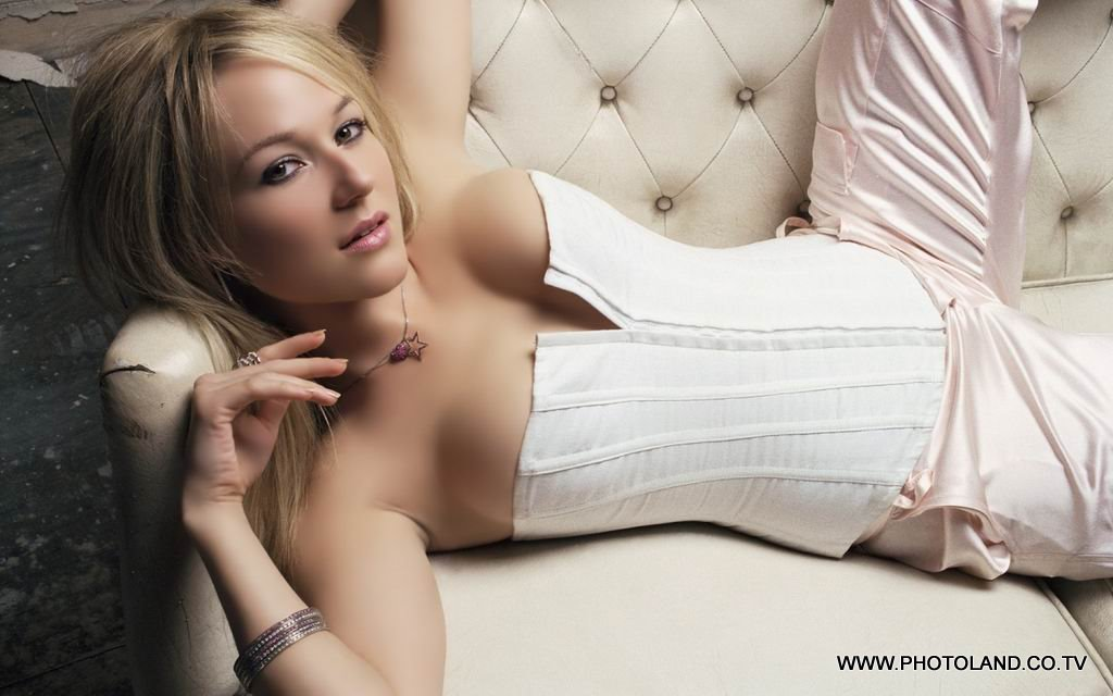 female models wallpapers. female models wallpapers.
