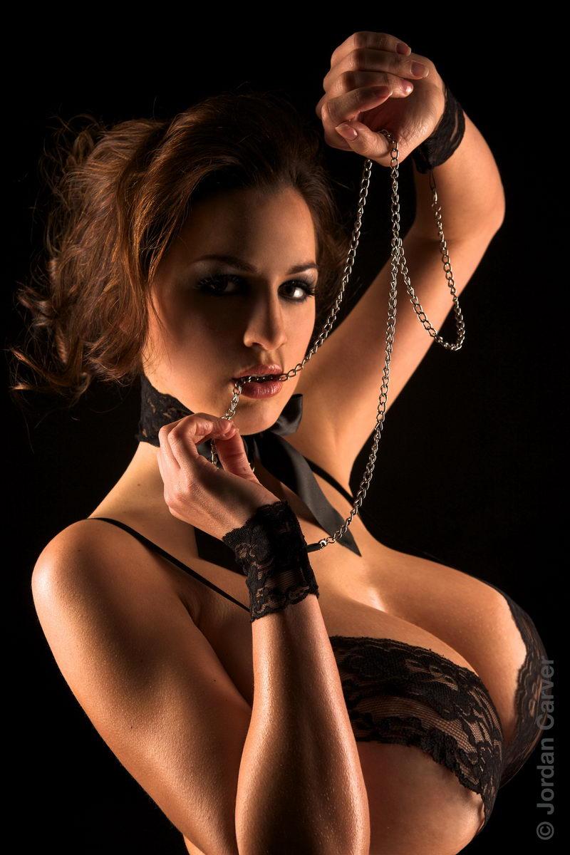 Роскошная женская грудь фото 11 фотография
