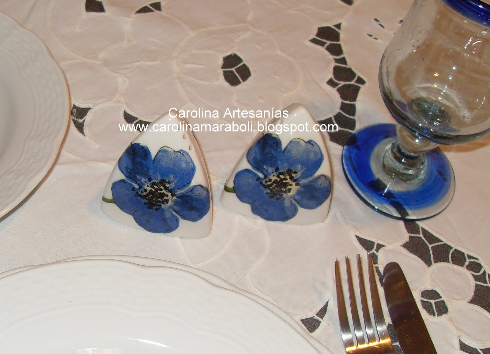 Vitrina de Carolina Artesanías (La Tienda): 12.- Salero, flor-azul
