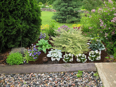 Landscaping+sidewalk+ideas