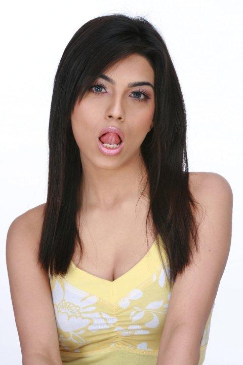 Aakriti Bhambri Is Looking Soo Cute - MTV Splitsvilla 5