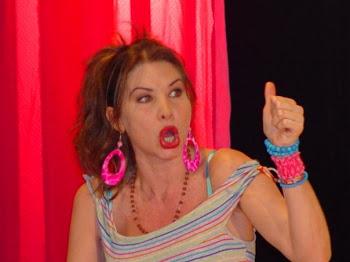 "Fedra López. Aurorita. ""Casa en Orden"" trgicomedia"