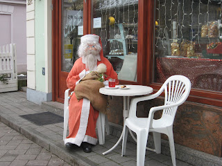 Santa Claus spotted in a Cafe