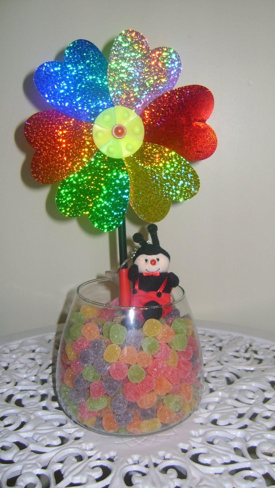 enfeites para festa infantil jardim encantado:Enfeite de mesa – Tema Jardim Encantado/Joaninha – R$ 25,00