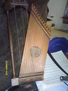 MacArthur Harp - a fretless harp-zither