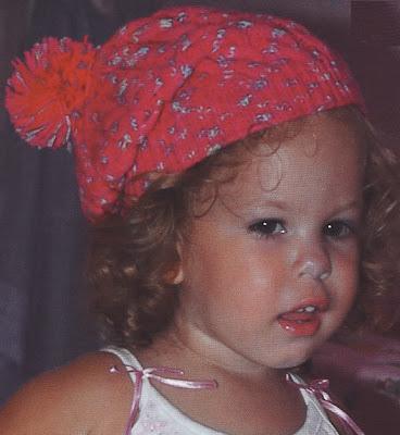 Açıklamalı Kız Çocuk Örgü Şapka Modeli