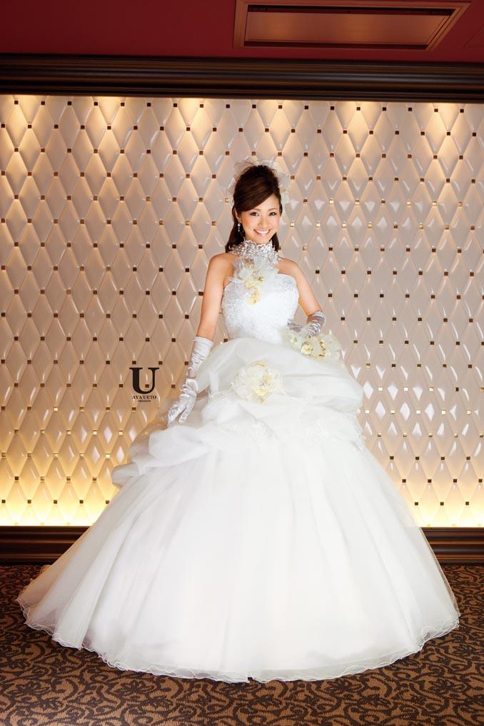 ueto_dresses1_002.jpg (image)