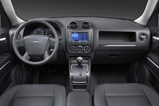 motor mania buzz new car 2009 jeep compass patriot. Black Bedroom Furniture Sets. Home Design Ideas