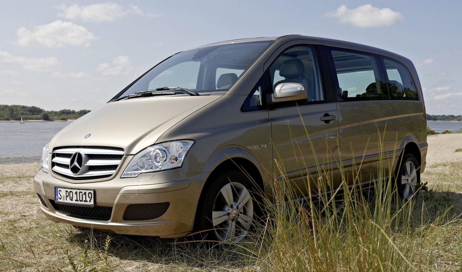 car review photo gallery 2011 mercedes viano vito facelift. Black Bedroom Furniture Sets. Home Design Ideas