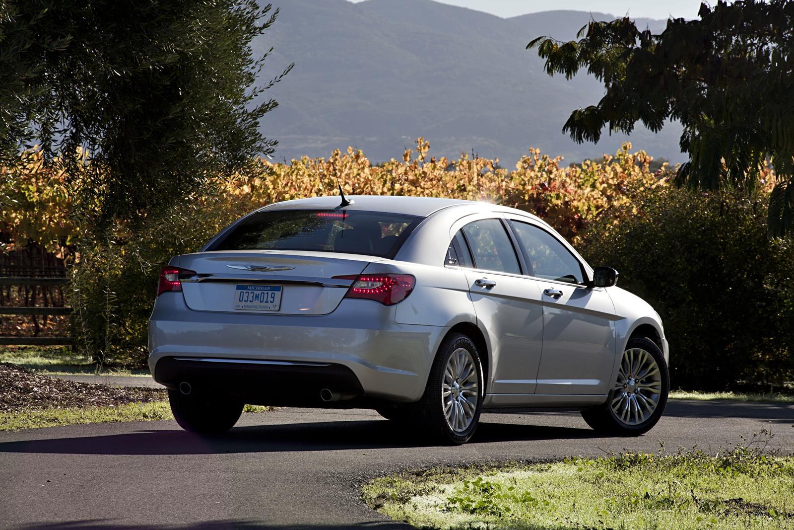 luxury car chrysler 200 2011 car modification review. Black Bedroom Furniture Sets. Home Design Ideas