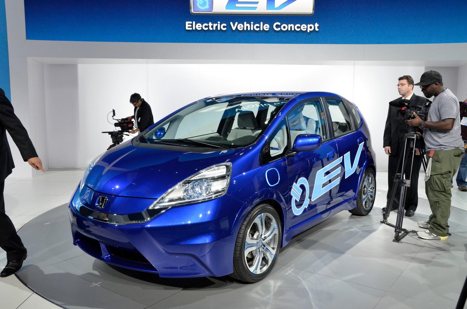 http://2.bp.blogspot.com/_7LQxj656qB0/TPu3JL2zk7I/AAAAAAAAJ6M/ra6AM8pC95Q/s1600/2010+Honda+Fit_Jazz+EV+Concept+2.jpg