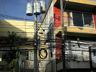 electric wiring in La Ceiba, Honduras