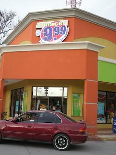 Dollar store, La Ceiba, Honduras