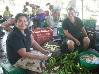 Peeling plantains, La Bomba, Jutiapa, Honduras
