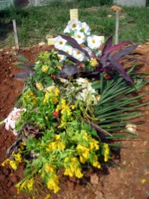 Baby's grave, La Ceiba, Honduras