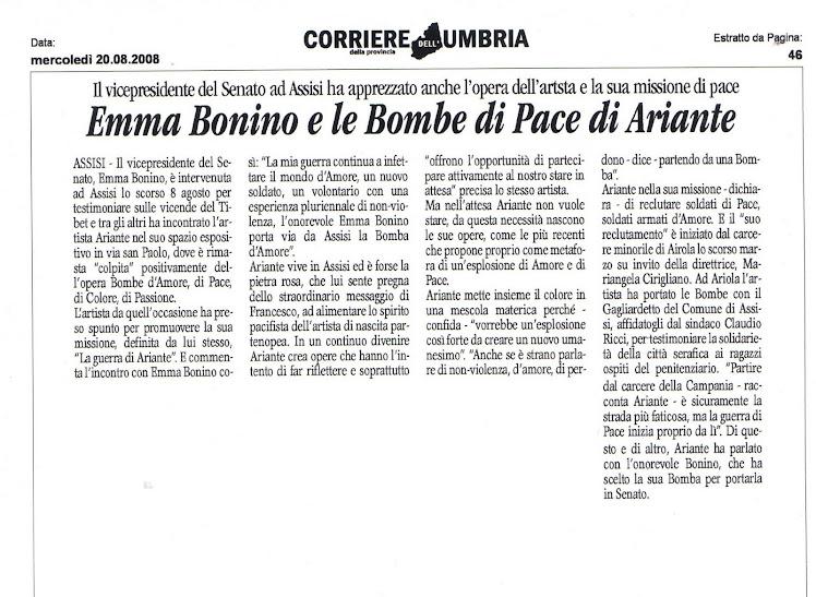 Emma Bonino porta una Bomba d'Amore al Senato