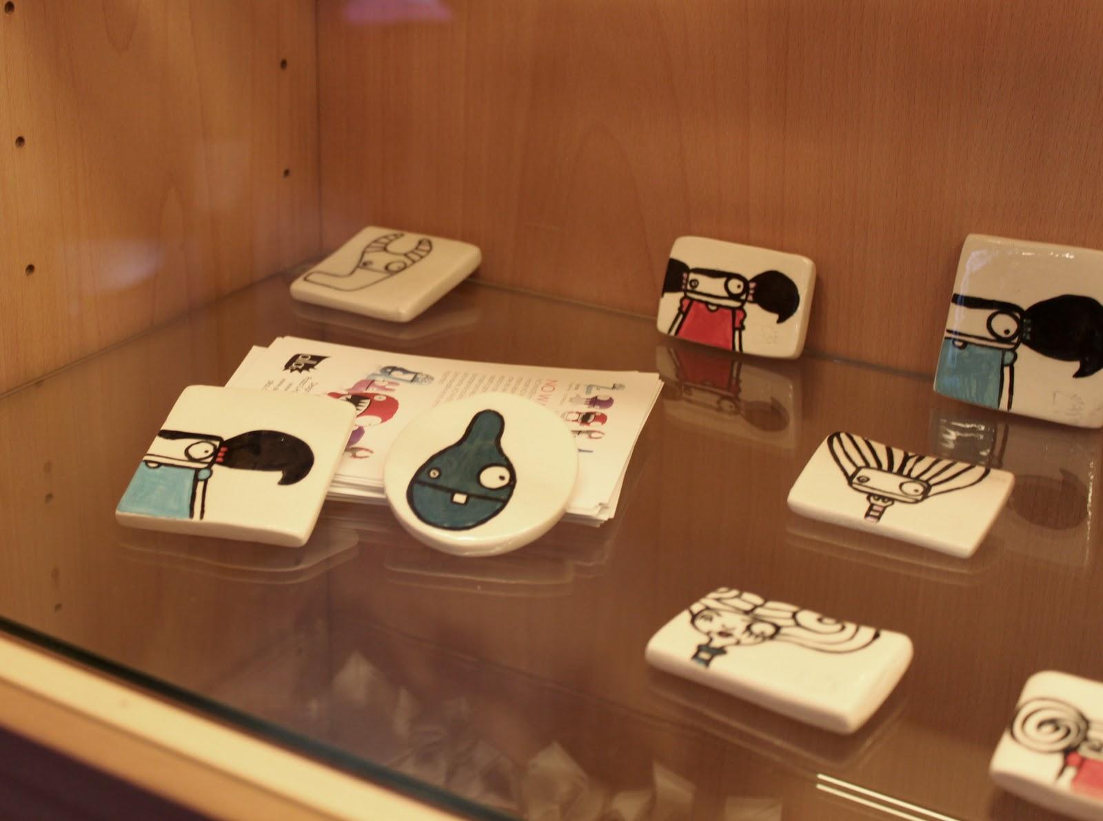 Elena salmistraro magneti e spille in ceramica e jacroki for Oggettistica moderna