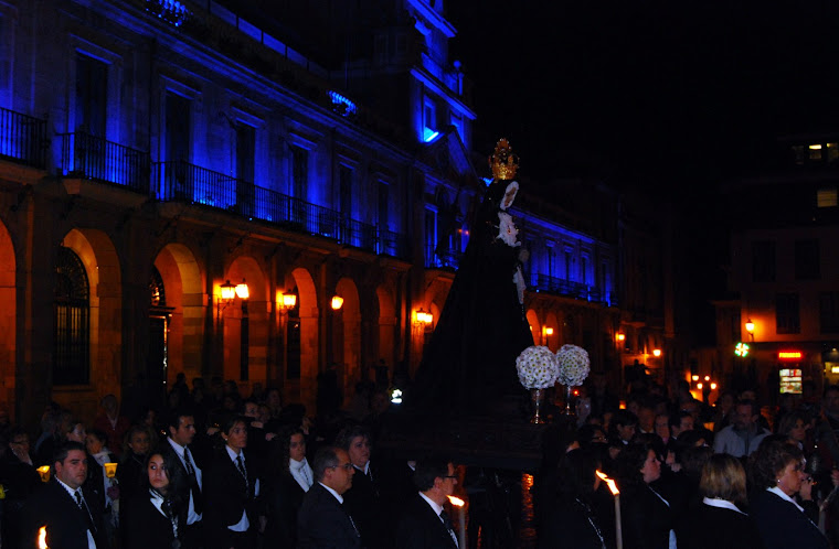 Procesión extraordinaria con motivo del XV Aniversario de la refundación (6 de noviembre de 2010)