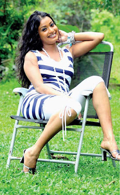 srilankan Actress and Dancer Himali Sirewaredana