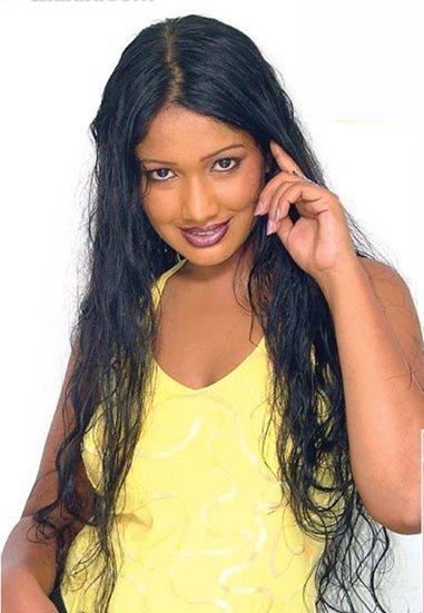 [srilanka_actress_Piyumi_Botheju_1.jpg]