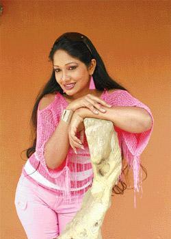 [srilanka_actress_Piyumi_Botheju_8.jpeg]