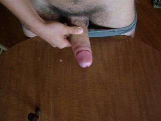 Visitante - Gay Gozando na mesa, rola grossa
