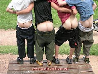 Bundas de machos, bunda de gays...