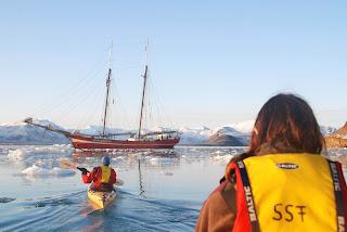 Audun in single kayak