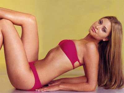 holly valance photo gallery