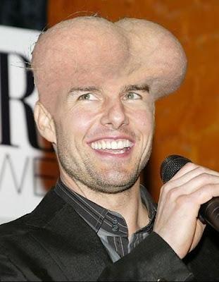 Imagem de Tom Cruise onde o topo de sua cabeça aparece como se fosse um saco, isto é, testículos.