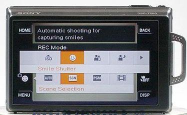 Câmera digital Sony Cyber-Shot DSC-T200 - vista traseira com exibição do menu sensível ao toque.