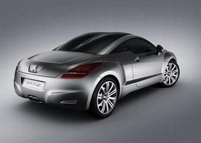 Foto com vista traseira do Peugeot 308 RCZ