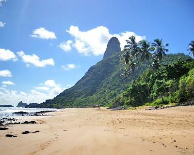 Foto do Morro do Pico - Fernando de Noronha.
