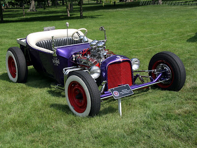 Ford T 1922 transformado em Roadster Hot Rod – conversível e turbinado.