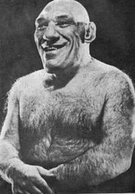 Maurice Tillet - imagem da cintura para cima com o torço nú.