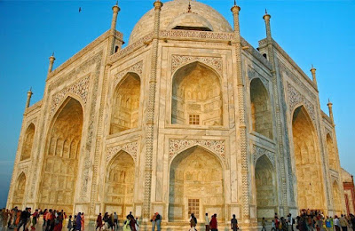 Taj Mahal - fotografia próxima mostra a riqueza de detalhes da obra