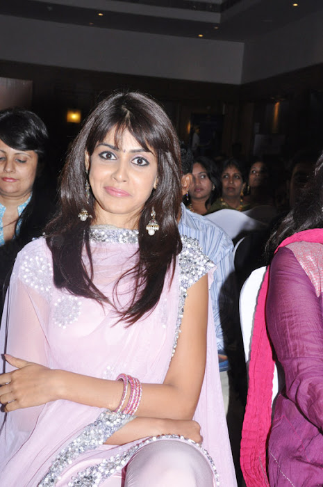 genelia uthamaputhiran audio launch hot images
