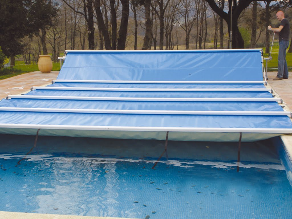 Todo para mi piscina tout pour ma piscine tipos de for Cobertor de piscina automatico