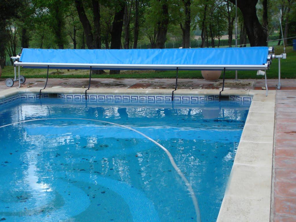 Todo para mi piscina tout pour ma piscine for Cobertor de piscina automatico