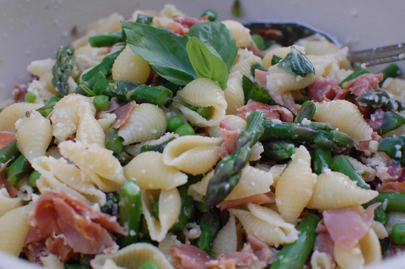 Spring Pasta with Asparagus, Peas, and Prosciutto