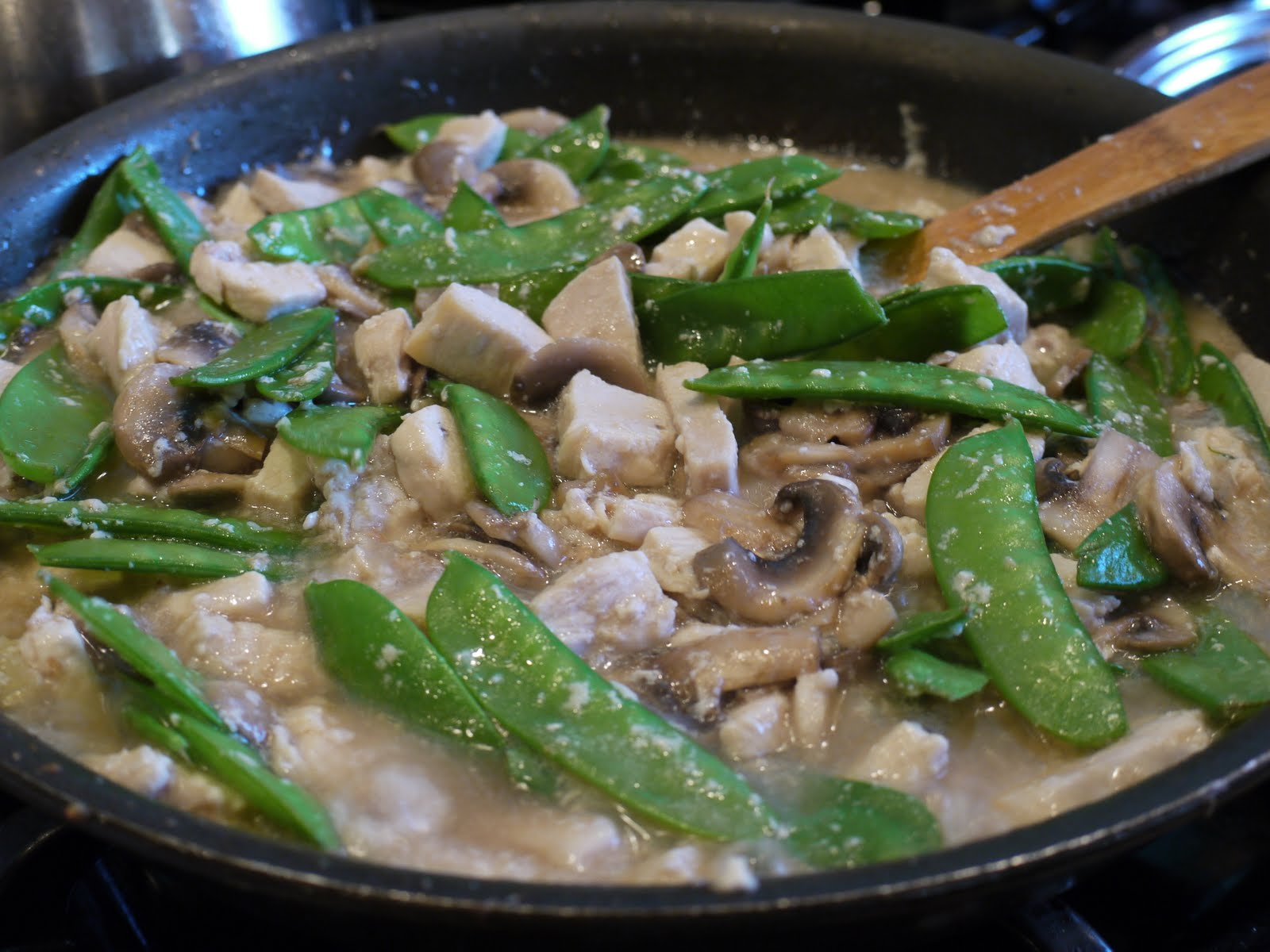 The Bad Girl's Kitchen: Taste & Create: Moo Goo Gai Pan