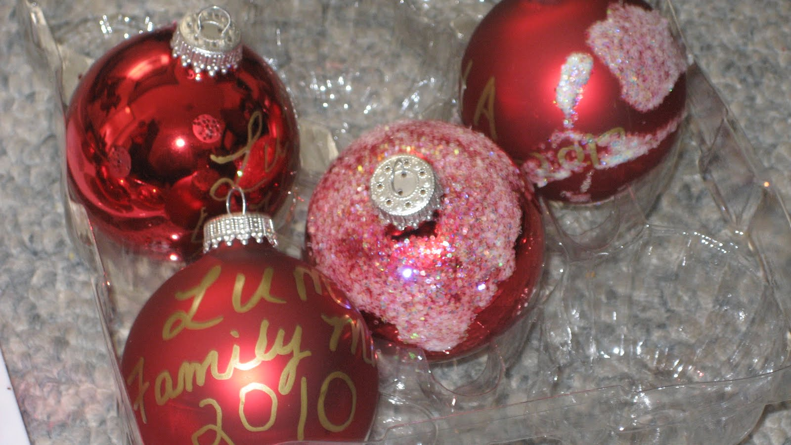 Glue for glass ornaments - We Decorated Some Glass Ornaments With Glue Glitter And A Paint Pen